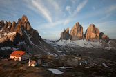 Three Peaks, Mount Paterno and shelter Locatelli — Stock Photo