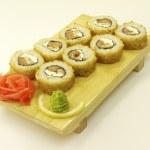 木の板に伝統的な日本の寿司 — ストック写真