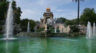Fountain cascade in Barcelona, Spain — Stock Video