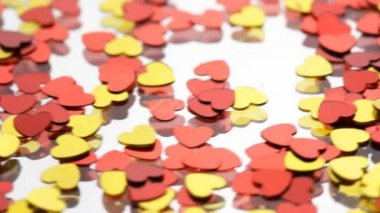Red and golden hearts confetti — ストックビデオ