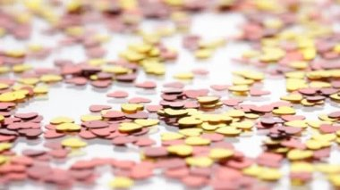 Red and golden hearts confetti — Stockvideo