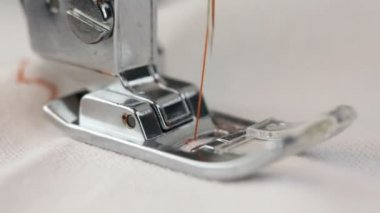 Sewing machine in action — ストックビデオ