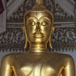 Golden Buddha Temple Statue — Stock Photo