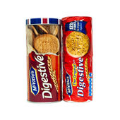 McVities Digestives with tin — Stock Photo