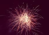 Feuerwerk im nachthimmel — Stockfoto