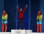 Short track Ladies' parallel slalom snowboarding medal ceremony — Stock Photo