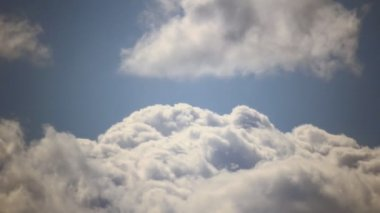Blue sky cloud turbulence — Stock Video