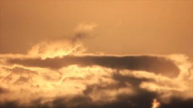 Warm colors evening sky clouds — Stock Video