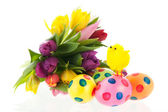 Painted easter eggs with flowers and chick — Stock fotografie