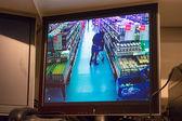 スーパー マーケットでのセキュリティ カメラ — ストック写真