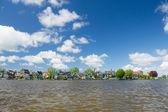 Sıra evler tipik hollanda köyü — Stok fotoğraf
