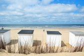 テクセルで青いビーチ小屋 — ストック写真