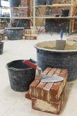 Colher de pedreiro e tijolos — Foto Stock