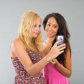 Girlfriends taking selfie — Stock Photo