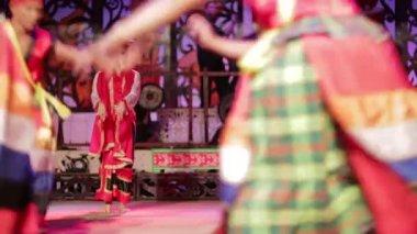 SARAWAK, MALAYSIA - JUNE 2012: Iban and Malay tribal performance — Stock Video