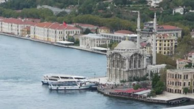 Ortakoy Mosque and picturesque istanbul scene with transport ship — Stock Video