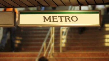 Kalabalık metro adımlar — Stok video