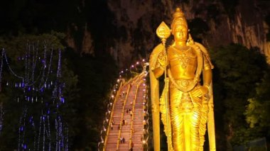 Night at batu caves, kuala lumpur, malaysia — Stock Video