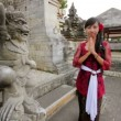 Balinese girl saluting with both hand in uluwatu temple, bali — Stock Video