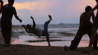 Parkour at the beach — Stock Video