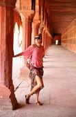 Caucasian woman at Taj Mahal — Stock Photo