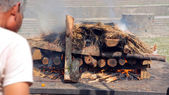 Death corpse burning cremation fire, pashupatinath temple, kathm — Stock Photo