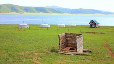 Moğol ahşap alaturka tuvalet — Stok video