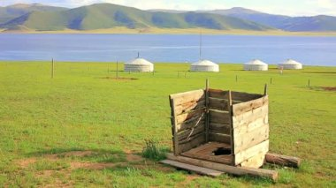 Mongolian wooden squat toilet — Stock Video