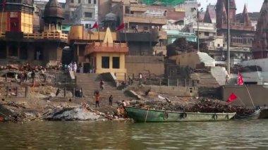 Everyday scene in Varanasi — Stock Video