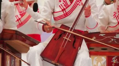 Morin Khuur, Mongolian bowed stringed instrument — Stock Video