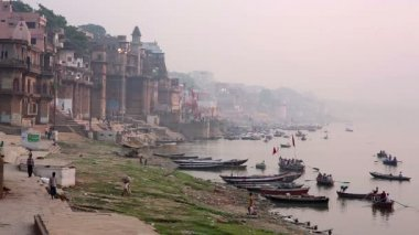 Everyday scene in Varanasi — Video Stock