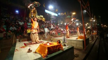 Night praying ceremony, Ganges river — 图库视频影像