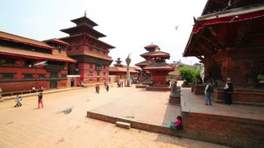 Everyday scene, Patan Durbar Square — Stok video