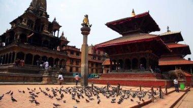 Everyday scene, Patan Durbar Square — Stockvideo