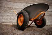 Orabge el arabası — Stok fotoğraf