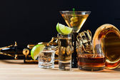 Saxophone and alcoholic drinks  — Stock Photo