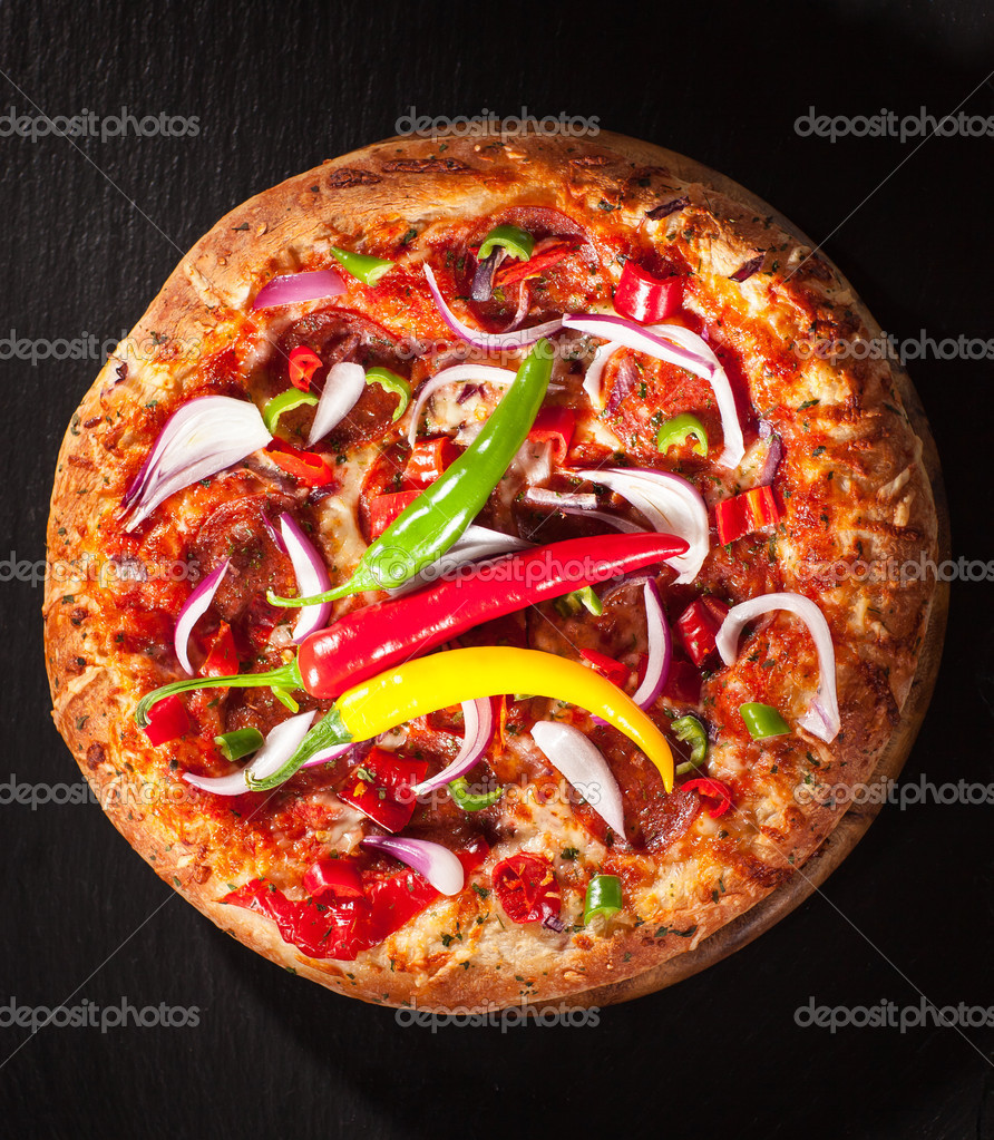 Tradition Mexican pizza with chili, salami and onion — Stock Photo #12889066
