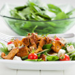 Spinach salad with roasted chanterelle mushrooms — Stock Photo #13840949