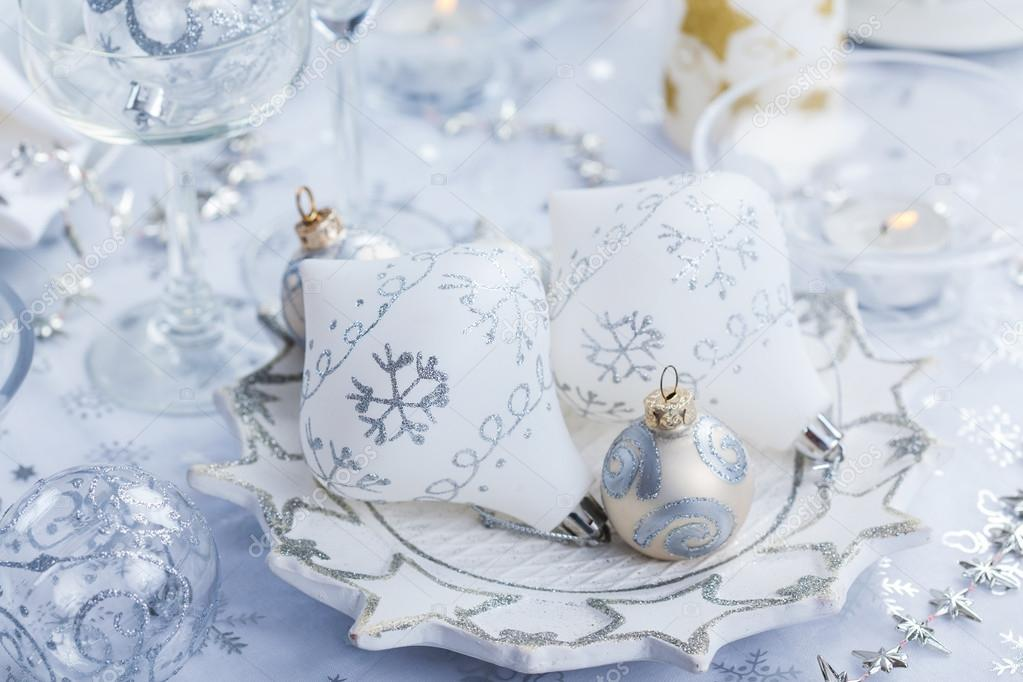 Christmas decoration in silver and white for festive table — Stock Photo #14053949