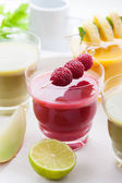 Variation of fruit and vegetable smoothies — Stock Photo