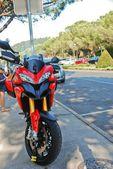 Motorbike on the street — Stock Photo