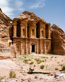 Remains of an ancient temple in Petra — Stock Photo