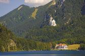 Panorama landschap in beieren met kasteel neuschwanstein노이슈반슈타인 성 가진 바바리아에서 파노라마 풍경 — Stok fotoğraf