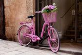 Roze fiets — Stockfoto