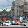 Foto de Stock  : Saint-Peterburg. Traffic on central street