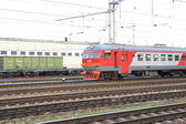 Commuter train is going near Savelovskaya railway station in Moscow — Foto Stock