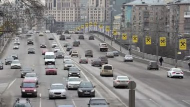 Traffic on the big avenues in Moscow — Stock Video