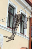Vilnius, Lithuania. Steel woman's accessories in the Uzhupis district — Stock Photo
