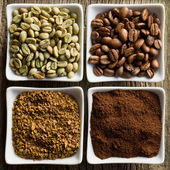 Green, roasted, ground and instant coffee — Stock Photo