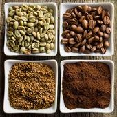 Groene, geroosterde, grond en instant koffie — Stockfoto